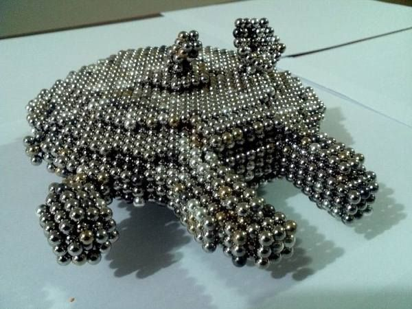 Star wars with magnetic balls